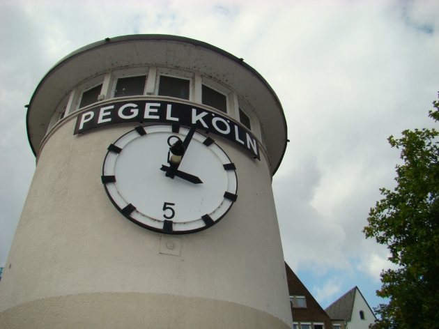 Pegel Köln water gauge