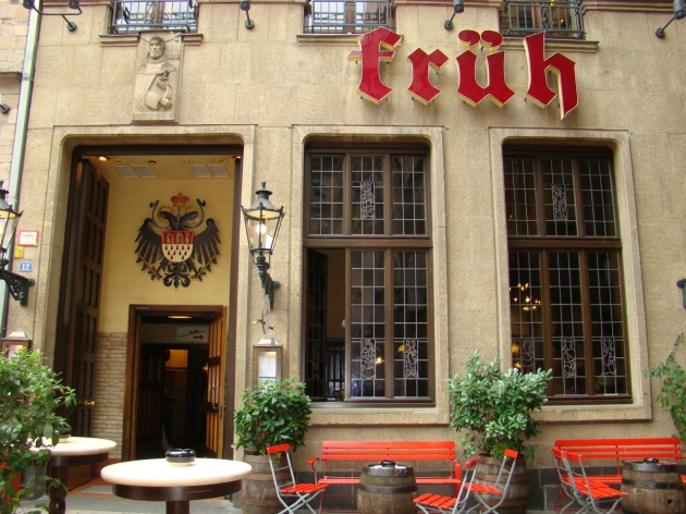 Lunch and Kölsch at Früh