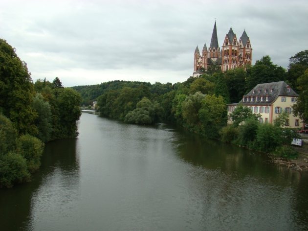 Limburg Dom (Limburg Cathedral) overlooking the River Lahn